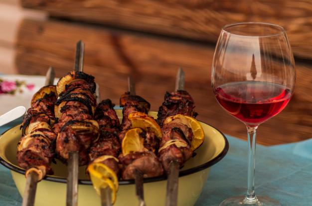 шашлык и вино