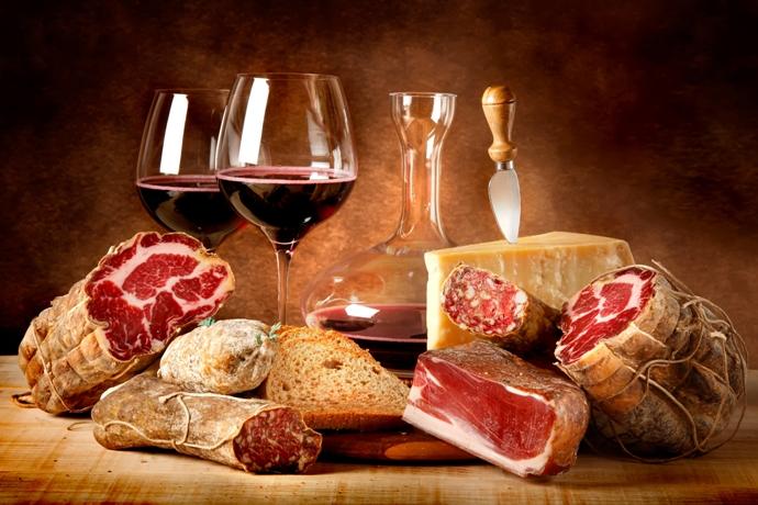 Выбираем мясные блюда к красному вину