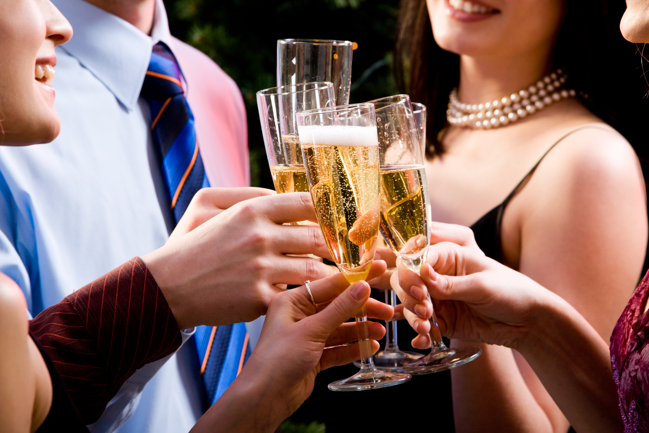 чем можно закусить шампанское после загса