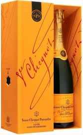 Шампанское белое брют «Veuve Clicquot Cuvee Saint-Petersbourg Brut» в подарочной упаковке