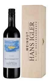Вино красное сухое «Blaufrankisch Classic Hans Igler» 2018 г. в деревянной подарочной упаковке