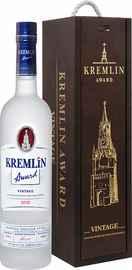 Водка «Kremlin Award Vintage» в деревянной подарочной упаковке