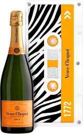 Шампанское белое брют «Veuve Clicquot Brut Cassette» в подарочной упаковке