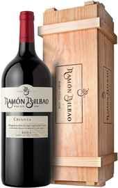 Вино красное сухое «Bodegas Ramon Bilbao Crianza» 2017 г., в деревянной подарочной упаковке