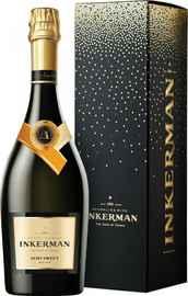 Вино игристое белое полусладкое «Инкерман» в подарочной упаковке