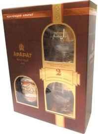 Коньяк армянский «Ararat Otborny» в подарочной упаковке с двумя бокалами
