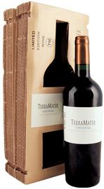 Вино красное сухое «TerraMater Unusual Cabernet-Shiraz-Zinfandel» 2010 г., в подарочной упаковке