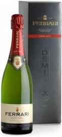 Вино игристое белое полусухое «Ferrari Demi Sec» в подарочной упаковке