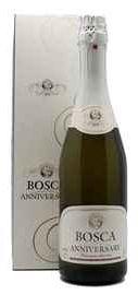 Винный напиток газированный белый полусадкий «Bosca Anniversary» в подарочной упаковке