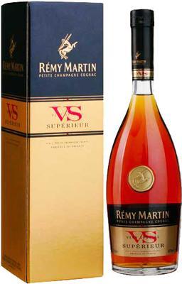 Коньяк «Remy Martin VS, 0.5 л» в подарочной упаковке