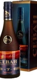 Коньяк армянсикй «Great Valley Sevan 7 Years» в подарочной упаковке