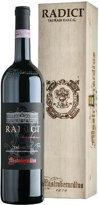 Вино красное сухое «Radici Taurasi» 2009 г., в подарочном деревянном футляре