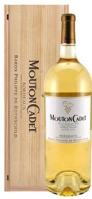 Вино белое сухое «Baron Philippe de Rothschild Mouton Cadet Blanc» 2011 г., в подарочной упаковке (дерево)