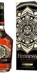 Коньяк «Hennessy VS» в подарочной упаковке (Дизайн Шепард Фейри)