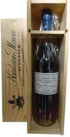 Коньяк французский «Petite Champagne Extra» в подарочной упаковке
