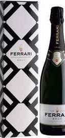 Вино игристое белое брют «Trento Ferrari Brut, 0.75 л» в подарочной упаковке