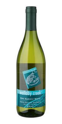 Вино белое полусладкое «Wallaby Creek Rape Harvest»