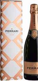 Вино игристое розовое брют «Ferrari Rose Brut Trento, 0.75 л» в подарочной упаковке