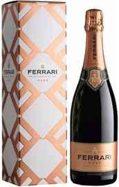 Вино игристое розовое брют «Ferrari Rose Brut Trento» в подарочной упаковке