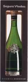 Вино игристое белое брют «Segura Viudas Cava Brut Reserva Heredad» в подарочной упаковке