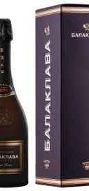 Вино игристое розовое брют «Балаклава Брют Розе Резерв» в подарочной упаковке