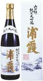 Саке «Urakasumi Yamadanishiki Junmai Daiginjo» в подарочной упаковке