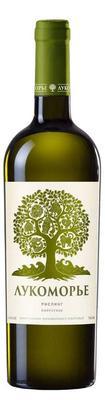 Вино белое полусухое «Лукоморье Рислинг»
