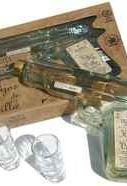 Текила «Hijos de Villa Reposado» в подарочной упаковке с 2-мя рюмками