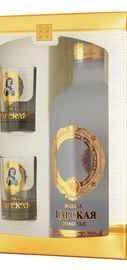 Водка «Царская Золотая» в подарочной упаковке со стопками