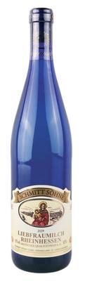 Вино белое полусладкое «Liebfraumilch» голубая бутылка