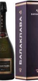 Вино игристое белое брют «Балаклава Шардоне Брют» в подарочной упаковке