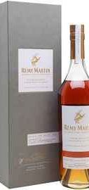 Коньяк французский «Remy Martin Carte Blanche» в подарочной упаковке