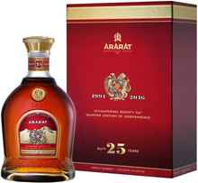 Коньяк армянский «Ararat 25 Years Old» в подарочной упаковке