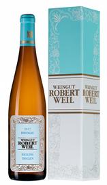 Вино белое полусухое «Rheingau Riesling Trocken» 2017 г., в подарочной упаковке