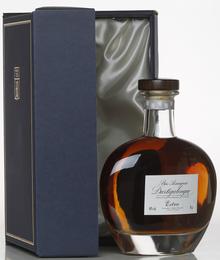 Арманьяк «Bas Armagnac Dartigalongue Extra (decanter)» В подарочной упаковке
