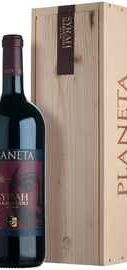 Вино красное сухое «Planeta Syrah Sicilia» 2011 г. в деревянной коробке