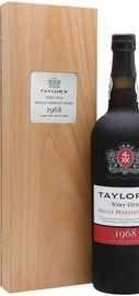 Портвейн сладкий «Taylor s Very Old Single Harvest Port Vintage » 1968 г. в деревянной коробке