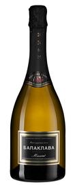 Вино игристое белое полусладкое «Balaklava Muscat Semy-Sweet»