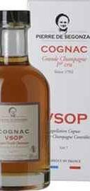Коньяк французский «Pierre de Segonzac Cognac Grande Champagne VSOP» в подарочной упаковке
