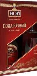 Коньяк армянский  «Ной Подарочный 7-летний» в подарочной упаковке с двумя бокалами
