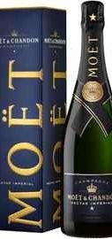 Шампанское белое полусухое «Moet & Chandon Nectar Imperial» в подарочной упаковке