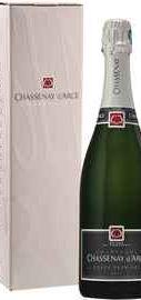 Шампанское белое брют «Champagne Chassenay d'Arce Cuvee Premiere» в подарочной упаковке