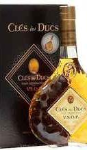 Арманьяк «Cles des Ducs VSOP» в подарочной упаковке
