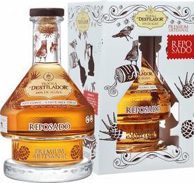 Текила «El Destilador Reposado Premium Artesanal Destileria Santa Lucia » в подарочной упаковке
