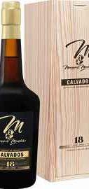 Кальвадос «Marquis De Montdidier 18 Y.O. Calvados Spirit France Diffusion» в подарочной упаковке