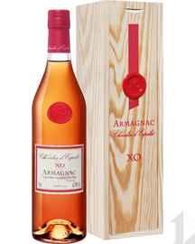 Арманьяк «Chevalier D'Espalet Armagnac Spirit France Diffusion» в деревянной подарочной упаковке