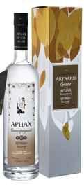 Водка «Artsakh Grape» в подарочной упаковке