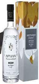Водка «Artsakh Dogwood Artsakh Brandy Company» в подарочной упаковке